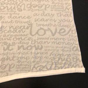 Lululemon manifesto scarf